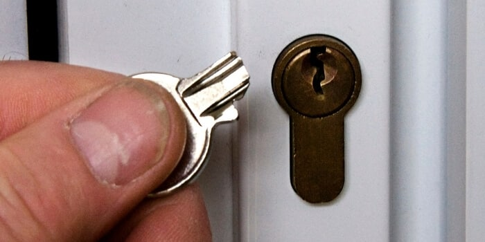 Remove broken keys